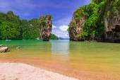 Ko Tapu rock on James Bond Island — Stock Photo