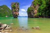 Ko Tapu rock on James Bond Island — Stock Photo