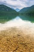 Idyllic lake scenery in Bavarian Alps — Stock Photo