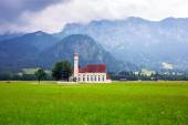 Small church in Bavarian Alps — Stock Photo
