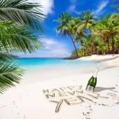 Happy New Year on the beach — Stock Photo