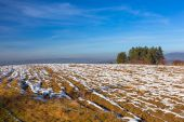 Frozen field in Tatra mountains — Stockfoto