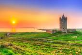 Doonagore castle at sunset, Ireland — Stock Photo