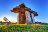 Poulnabrone portal tomb in Ireland — Stock Photo
