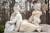 Allegory of the Vistula river statue in Royal Baths Park, Warsaw — Stock Photo