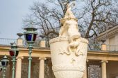 Baroque statue in Royal Baths Park, Warsaw — Stock Photo