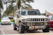 Luxury Hummer perked on the street of Abu Dhabi — Zdjęcie stockowe