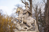 Monument of king Sobieski in Royal Baths Park — Stock Photo