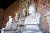 Sculptures in the Monumental Cemetery at Leaning Tower of Pisa — Stock Photo