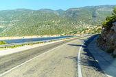 Mountain road on the sea coast in Turkey — Stock Photo