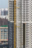 Construction of multi-storey residential house — Stock Photo