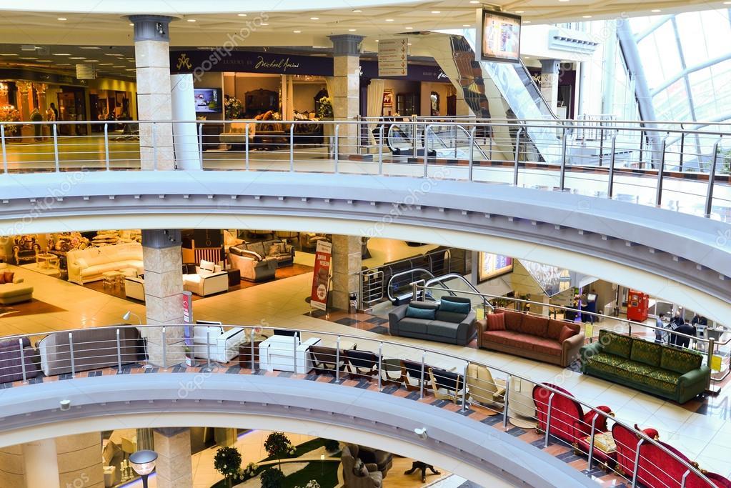 Moskau   5. März 2015: Interior Möbel Einkaufen komplexer Grand