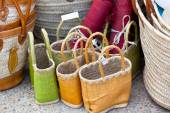Handmade wicker female bags at french market — Foto Stock