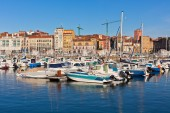 View on Old Port of Gijon and Yachts, Asturias, Northern Spain — Stock Photo