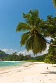 Tropical beach at island — Foto Stock