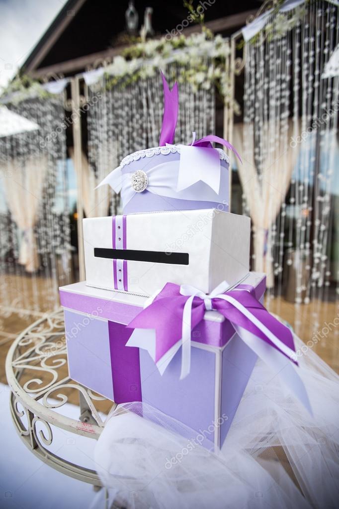 Стол для подарков на свадьбу 899