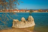Jesus monument on a river — Stock Photo