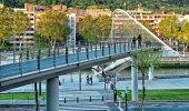 Zubizuri Bridge in Bilbao, Spain — Stock Photo