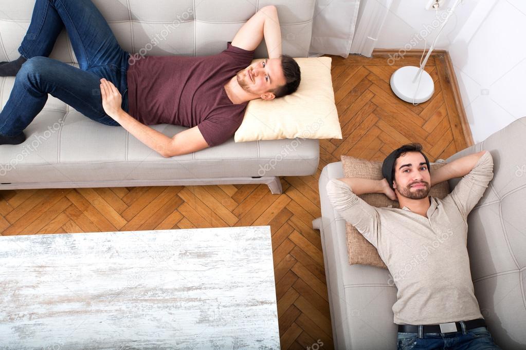 Не молодые русские на диване фото 505-76