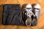 Sneakers and jeans — Stock Photo