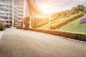 Road and office building — Foto Stock