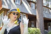 Attractive Woman in Twenties Outfit Near Antique House — Stock Photo