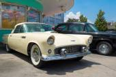 1956 Ford Thunderbird at Universal Studios Florida — Stock Photo