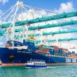 Ship unloading containers at the Port of Miami — Stock Photo #53768843
