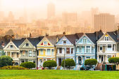 Painted ladies of San Francisco, California, USA. — Foto de Stock