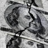 Amerikaanse dollars gescheurd of geript — Stockfoto