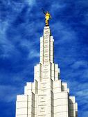 Idaho Falls Mormon Temple LDS Statue of Moroni Angel — Stok fotoğraf