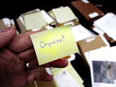 Messy Office with Get Organized Note — Stock Photo