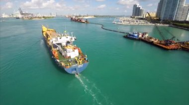 Cargo ship in waters of Miami — Stock Video