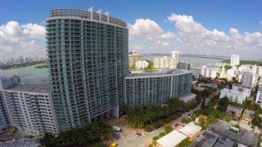 Aerial video Miami Beach condominiums and real estate — Stock Video