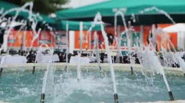 Splashing fountains — Vidéo