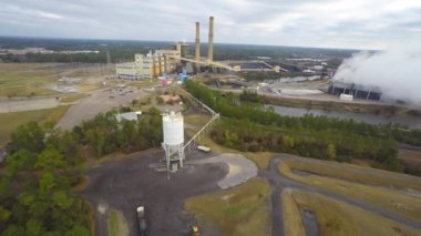 Aerial video of a coal plant — Stock Video