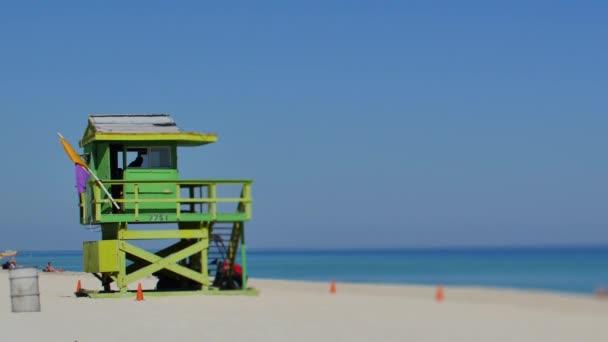 Torre de salvavidas de Miami Beach — Vídeo de stock