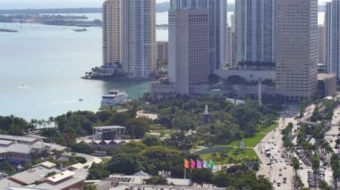 Bayfront Park Miami aerial view — Stock Video