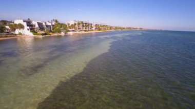 Aerial video Key West waterfront condos — Stock Video