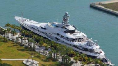 Video of Attessa docked at Museum Park — Stock Video