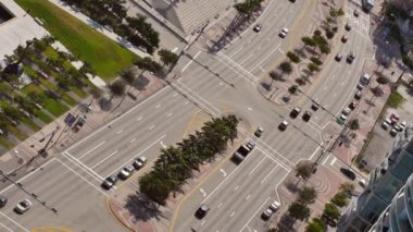 Biscayne Boulevard aerial — Stock Video
