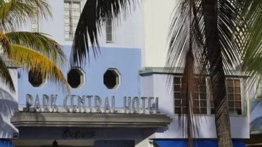 Signage of the Park Central Hotel Miami Beach — Vídeo de stock