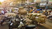 Road near spice market in New Delhi — Stock Photo