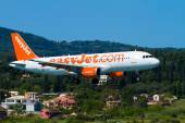 EasyJet Airbus A320 taxis — Stock Photo
