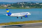 Thomas Cook Boeing 767 on approach — Stock Photo