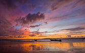 Tropical sunset on the beach. Ao-Nang. Krabi — Zdjęcie stockowe