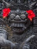 Stone sculpture on entrance door of the Temple in Bali  — Foto Stock