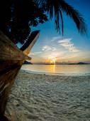 Beau lever de soleil à phuket rawai — Photo