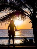 Woman watching the sunset in Phuket — Stock Photo