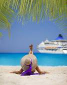 Woman relaxing on the famous Shipwreck beach in Zakynthos — Stock Photo
